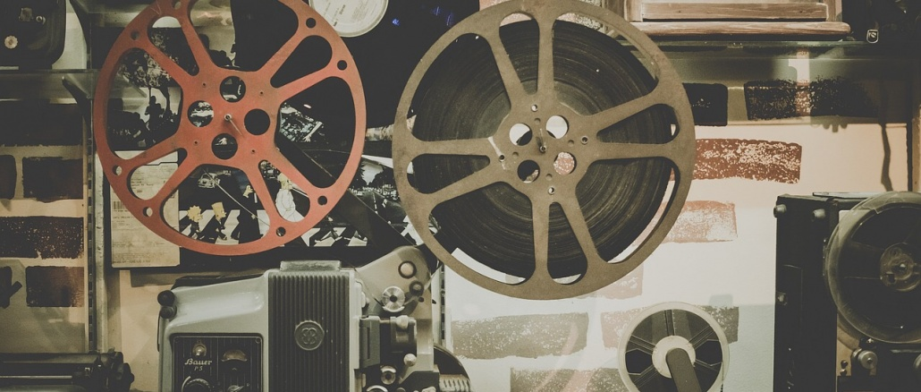 Older film, movie-making, and projection equipment, perhaps from 1960s or 1970s. Credit: Free-Photos/Pixabay